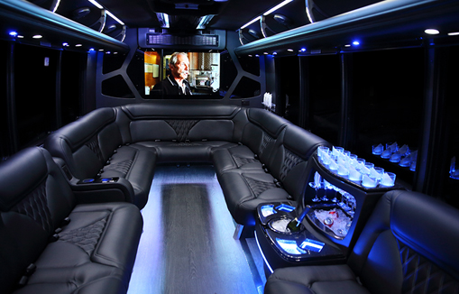 16P Limo Bus vehicle ext